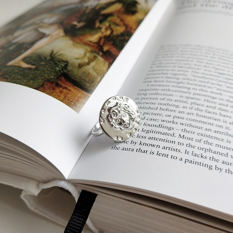 LouLeur new 925 sterling silver Emboss figure rings silver round design irregular avatar coin rings for women vintage jewelry