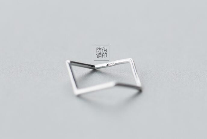 Real. 925 Sterling Silver JewelryGeometric Waterwave Ring Openable Adjustable charms size 4.75-size6.75 GTLJ1194