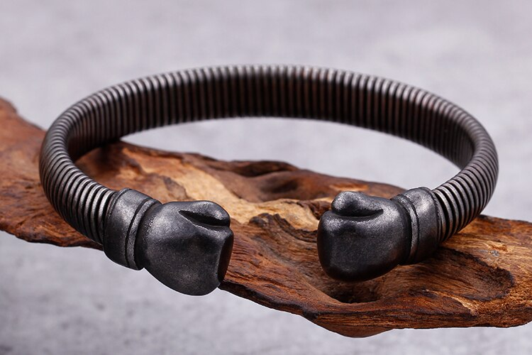 Black Stainless Steel Bracelet Male Fist Style Open Cuff Bangles & Bracelets For Men Punk Rock Antique Hand Jewelry Accessories