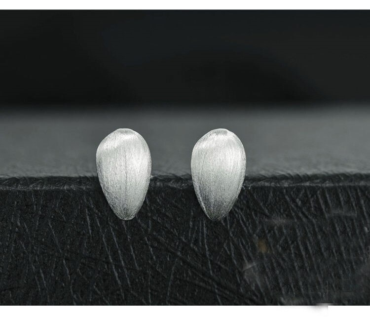 New Personality Simple Exquisite Fashion 925 Sterling Silver Jewelry Drop Water Drawing Female Gift Stud Earrings SE94
