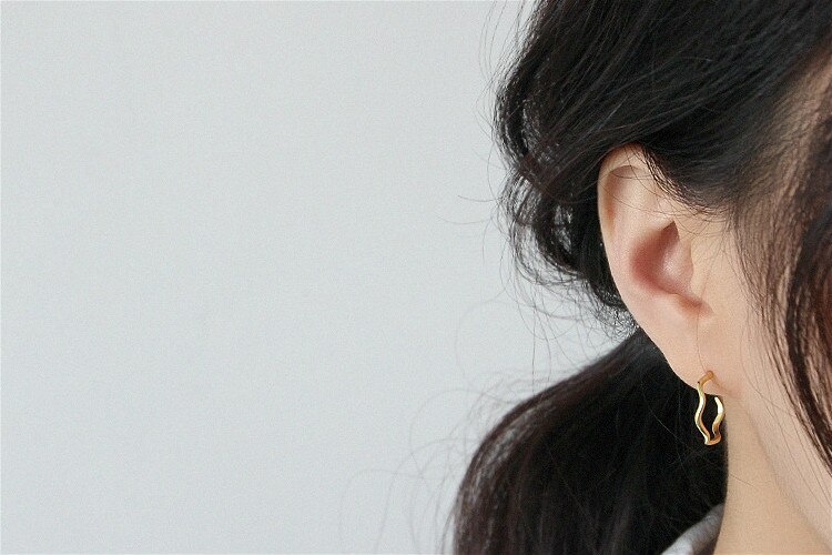 Flyleaf Gold Wave Pattern Circle Stud Earrings For Women Real 925 Sterling Silver Fashion Jewelry High Quality