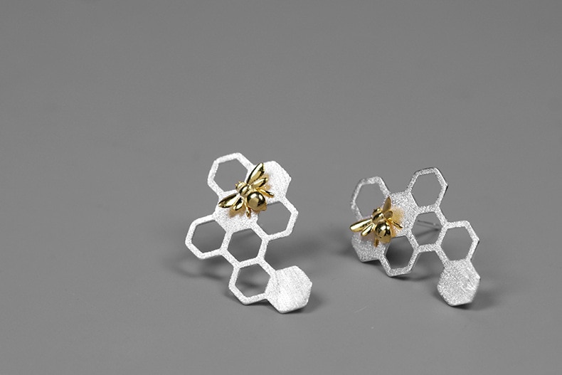 INATURE 925 Sterling Silver Fashion Honeycomb Bee Stud Earrings for Women Party Jewelry Gift