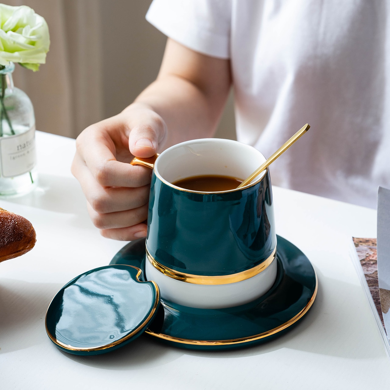 MDZF SWEETHOME Green Coffee Cup Set With Mat And Lid Spoon Milk Ceramic Cup Breakfast Tableware Set Couple Mug Birthday Gift Box