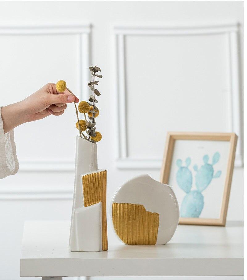 Nordic Ins Ceramic Vase Home Decoration Light Luxury Golden Ceramic Flower Pot Vase Wedding Home Decoration Craft Gift