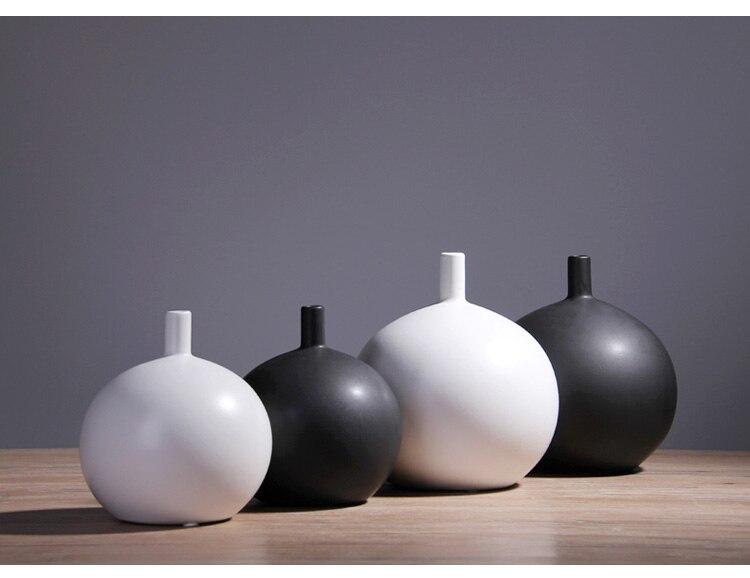 Nordic modern Creative Round ceramics vase Flower arrangement Home living room Decorative ornaments Black and white Flower vase