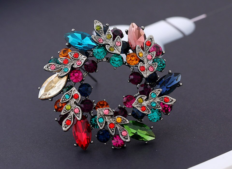 Blucome Women Flower Brooch Bouquet Wedding Bridal Jewelry Women Flower Hijab Pins Broaches Very Nice Christmas Brooches