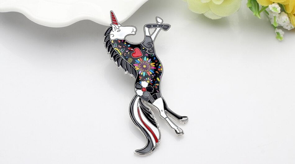 WEVENI Enamel Alloy Fashion Unicorn Brooches Clothes Scarf Pin Ins Hipster Animal Jewelry For Women Girls Party Gift Decoration