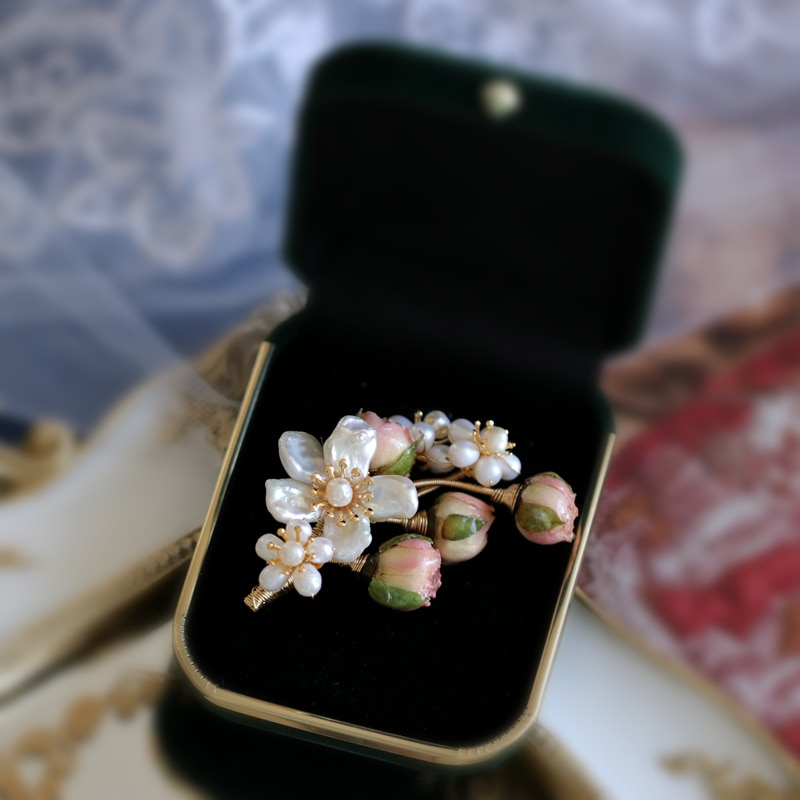 SINZRY unique handmade natural pearl preserved rose flower trendy vintage brooches pin fashion suit jewelry accessory for female