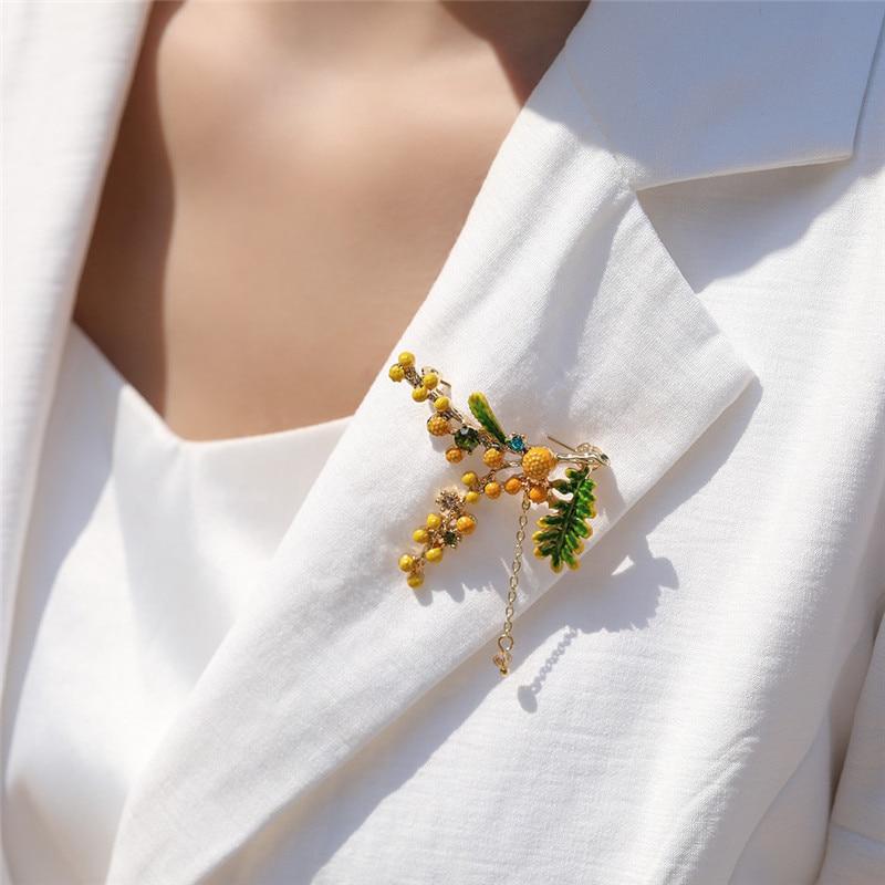 HUANZHI 2020 NEW Elegant Tassel Chain Colorful Zircon Drip Glaze Green Leaves Mimosa Brooch for Women Collar Accessories jewelry