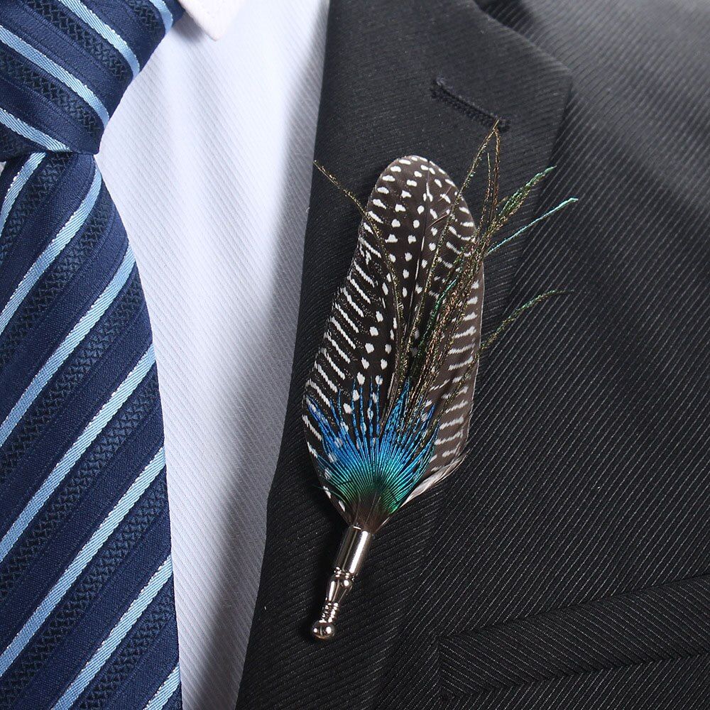 1Pcs Creative Feather Brooch Lapel Pin Fashion Designer Handmade Men Women Novelty Brooches Lapel Pins Dress Suit Accessory Gift