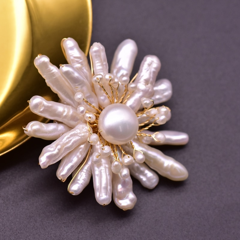 XlentAg Luxury Natural Freshwater White Pearls Pins For Women Original Flowers Brooches Anime Party Vintage Women Jewelry GO0362