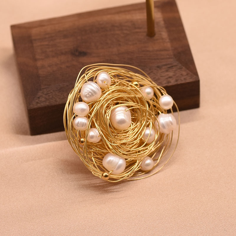 XlentAg Handmade Natural High-quality White Pearls Brooches Hummingbird Wedding Women Accessories Luxury Vintage Jewerly GO0331