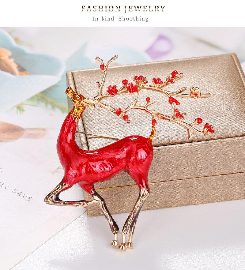 JUJIE Christmas brooch Fashion Deer Brooches For Women Sika deer Brooch Enamel needle Jewelry