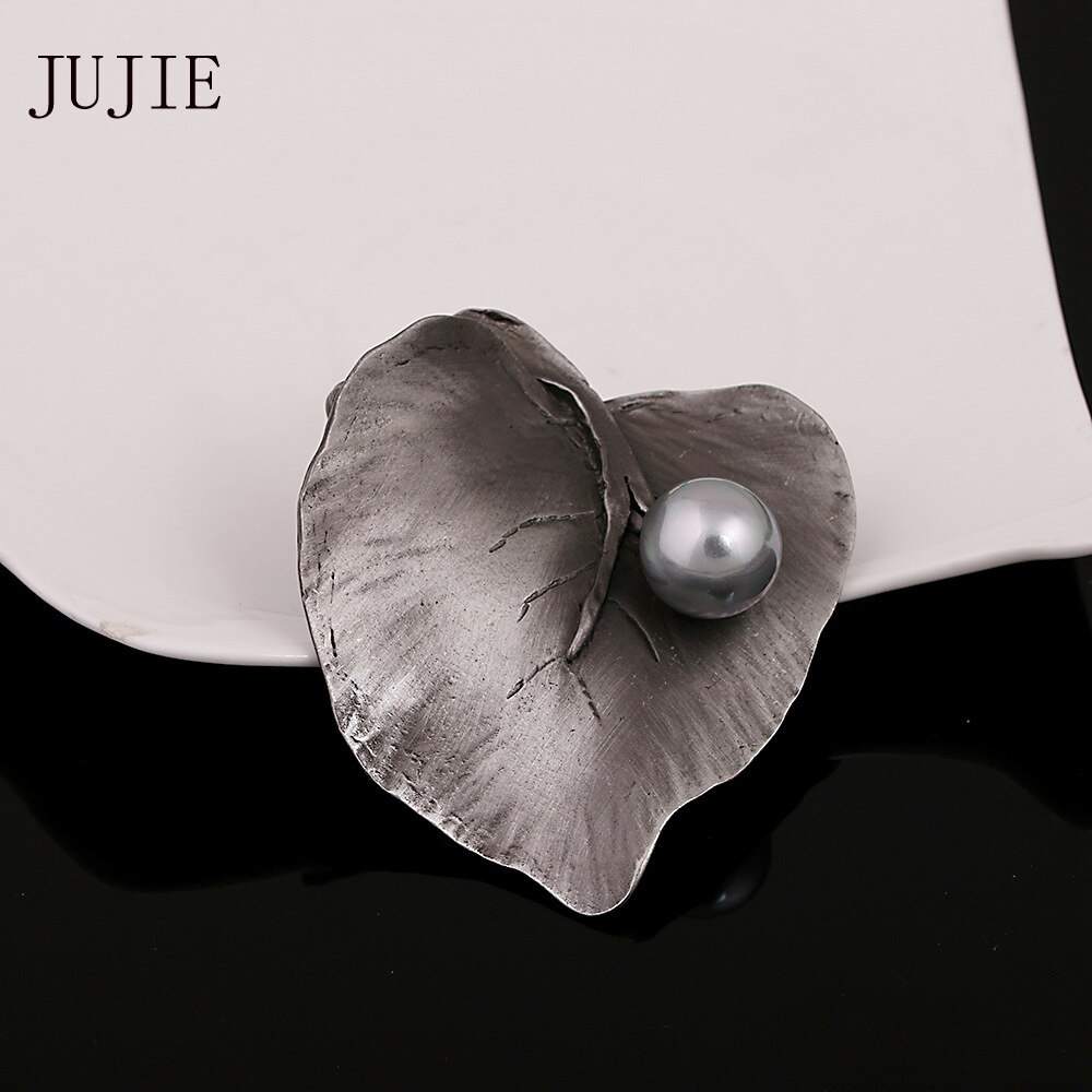 JUJIE Vintage Pearl Leaf Brooches For Women 2019 Female Geometric Irregular Brooch Pins Plant Jewelry Dropshipping