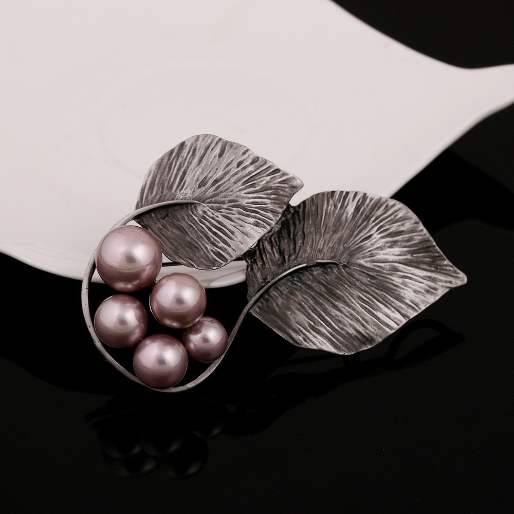 JUJIE Vintage Double Leaf Pearl Brooch Pins For Women 2020 Exquisite Scarves Plant Jewelry Dropshipping