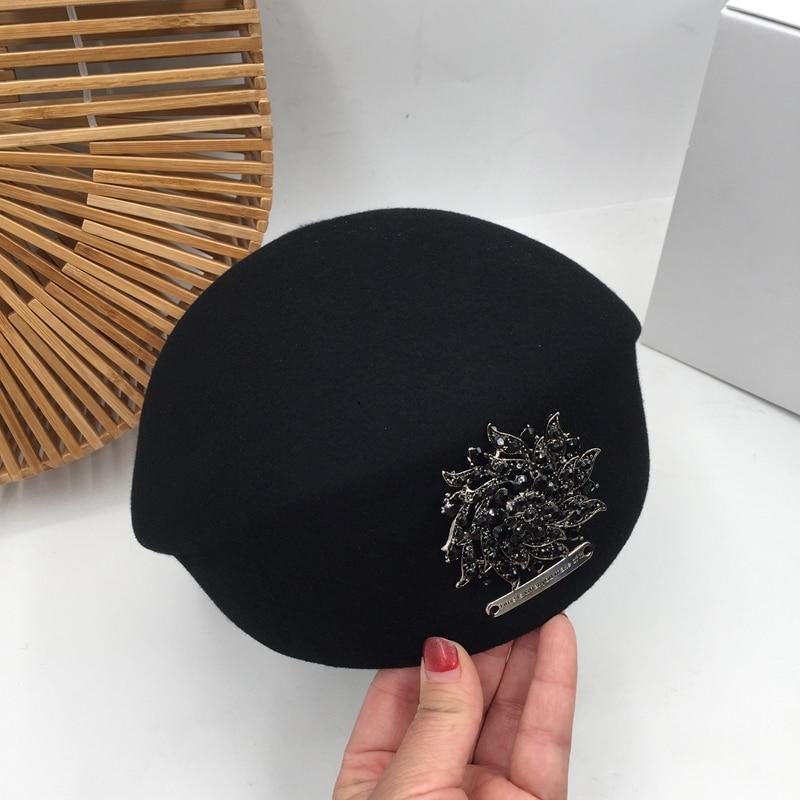 Japanse Koreaanse versie van herfst en winter nieuwe zwarte wollen baret schilder hoed parel heldere diamant dame stewardess hoed vrouwelijke