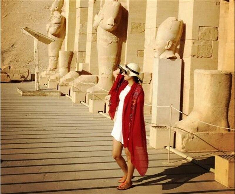 2020 Vlakte Borduren Bloemen Viscose Shawl Sjaal Van Indian Bandana Print Katoen Sjaals En Wraps Soft Foulard Moslim Hijab Cap