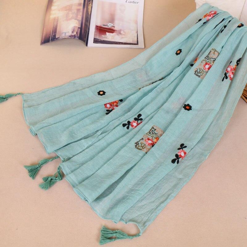 Nieuwe Vlakte Geborduurde Bloemen Kwastje Viscose Shawl Sjaal Vrouwen Mode Luxe Merk Gedrukt Pashmina Sjaal Moslim Hijab 180*95 cm